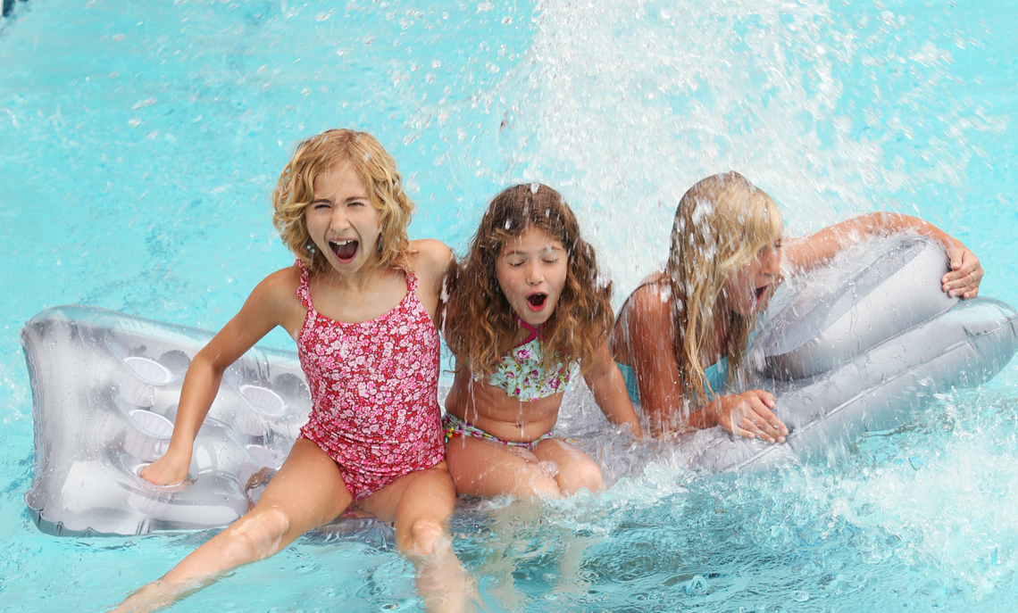 KIds splashingY68A6239