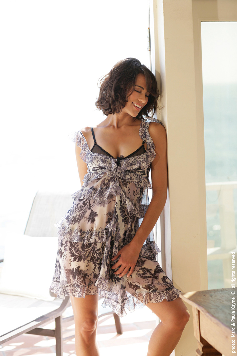 Paula_Patton_XX8Z3107.jpg